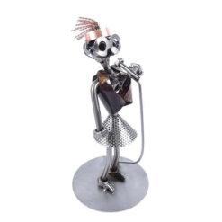 Figurine chanteuse