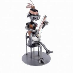 Figurine guitare femme assise
