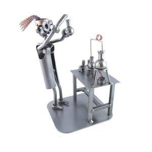 Figurine chimiste femme