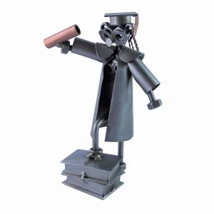 Figurine avocate en métal