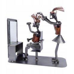 Figurine métal coiffeuse