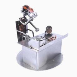 Figurine opticien en métal