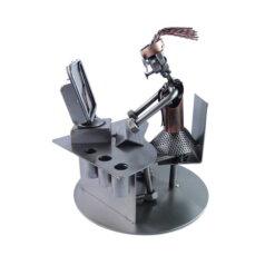 Figurine secrétaire au bureau